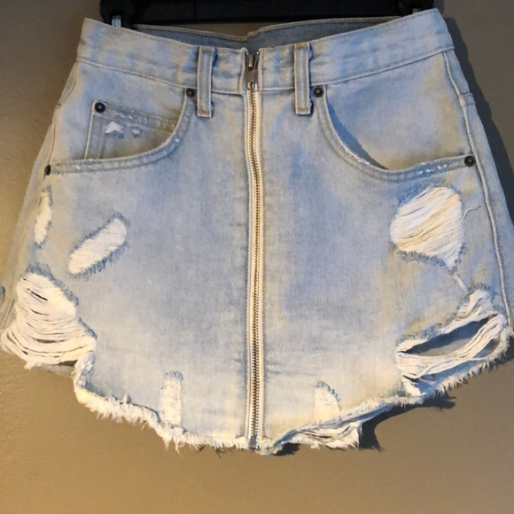LF Dresses & Skirts - LF front zipper jean skirt